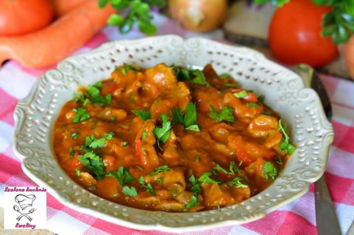 Żołądki drobiowe w gulaszu curry