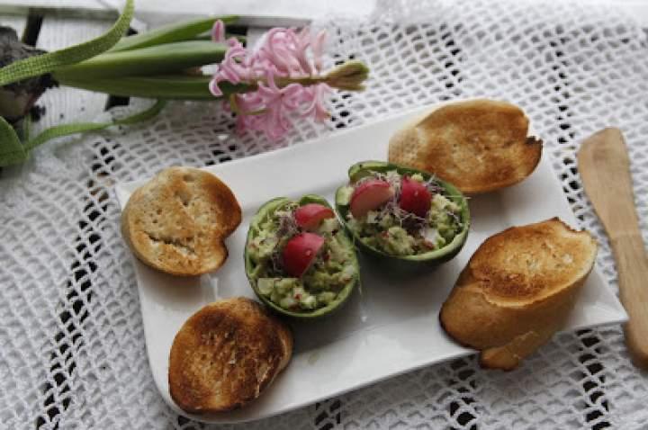 Wiosenne, pikantne guacamole