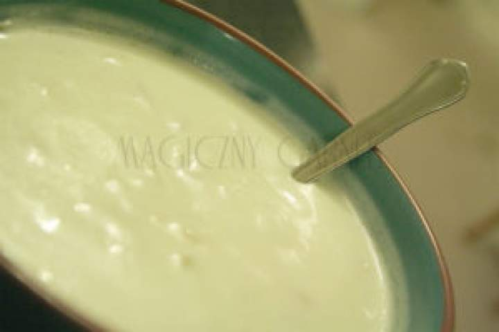 Dip jogurtowo-migdałowy