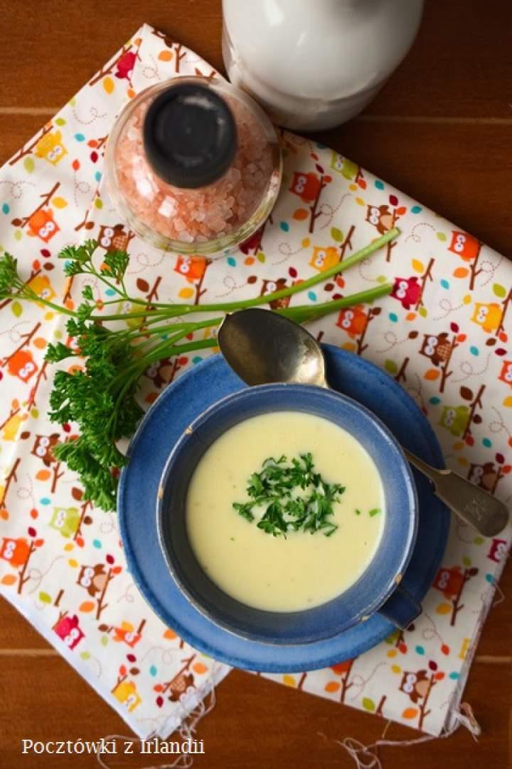 Zupa z wędzonego czosnku