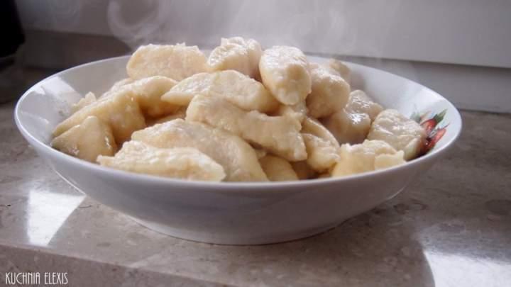 Bananowe kluski leniwe