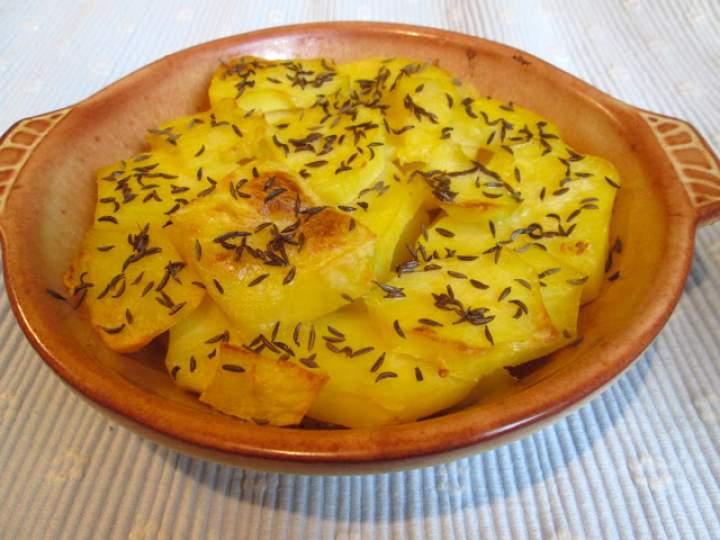 Ziemniaki pieczone z kminkiem i czosnkiem
