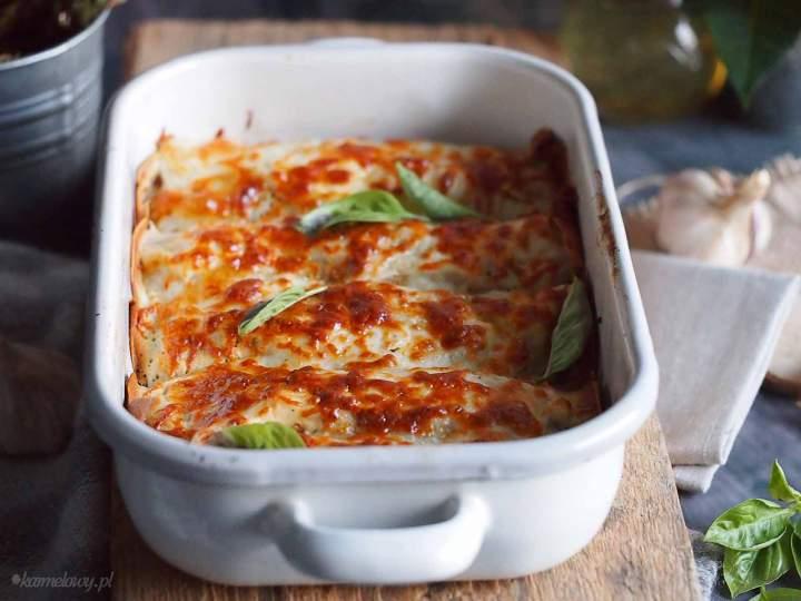 Naleśniki po bolońsku pod beszamelem / Crepes bolognese with bechamel sauce