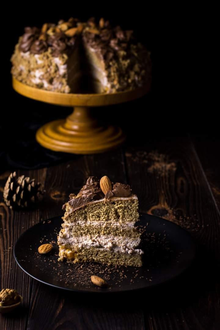 Tort orzechowy bez cukru, nabiału i białej mąki