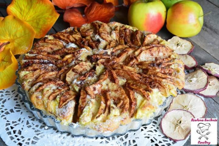 Jabłkowo – imbirowy drożdżowiec z masą serowo – cynamonową