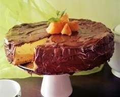 Sernik pomarańczowy z czekoladową polewą