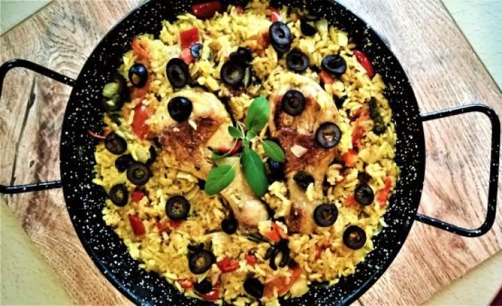 Potrawka z kurczaka, ryżu i warzyw