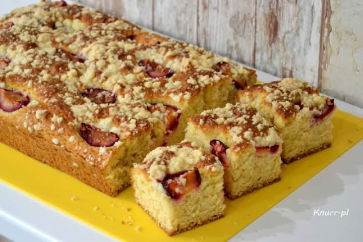 Topielec – szybkie ciasto ze śliwkami