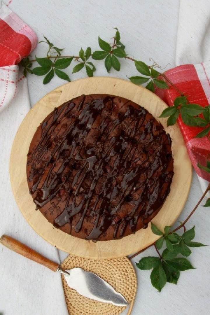 Potrójnie czekoladowe ciasto z wiśniami