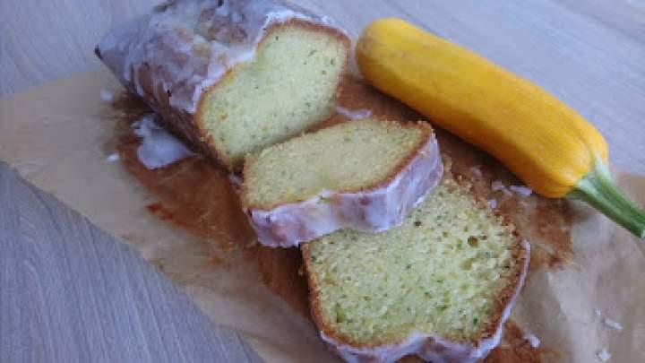 Wilgotna babka cytrynowa z cukinią