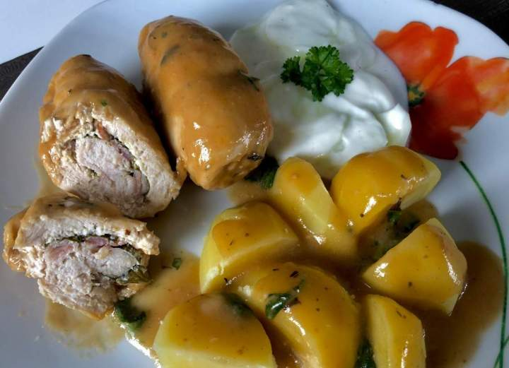 Roladki z kurczaka w aromatycznym sosie