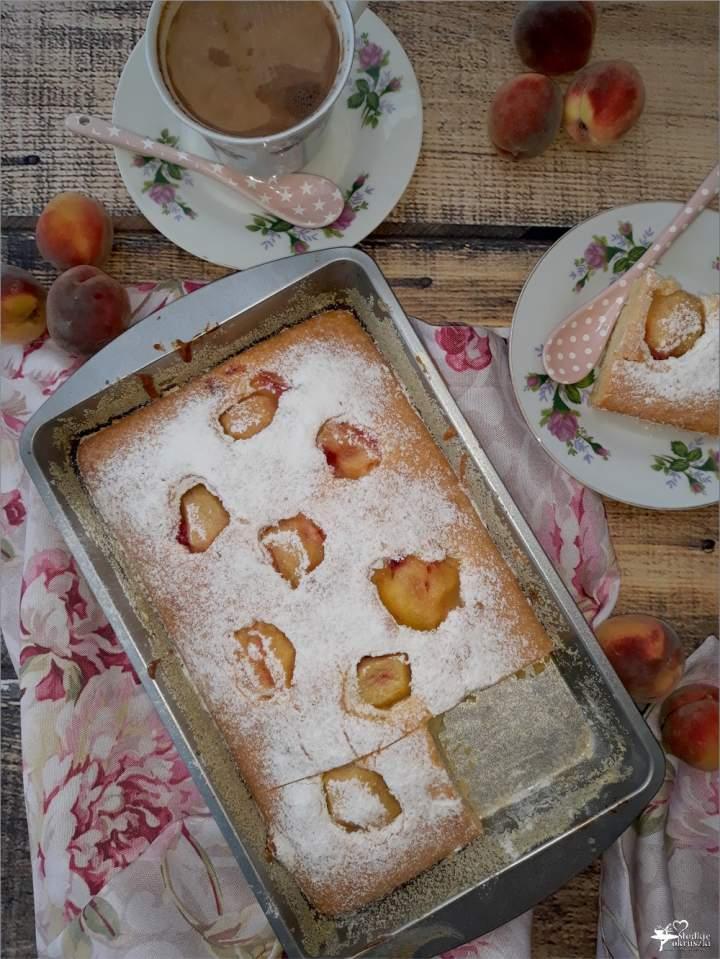 Szybkie ciasto z morelami (bez miksera) – idealne do kawy