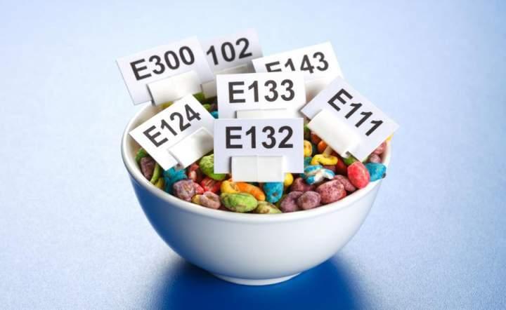Chemia na talerzu. Na jakie produkty uważać?