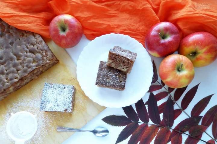 Szybkie i proste ciasto z jabłkami – przepis krok po kroku