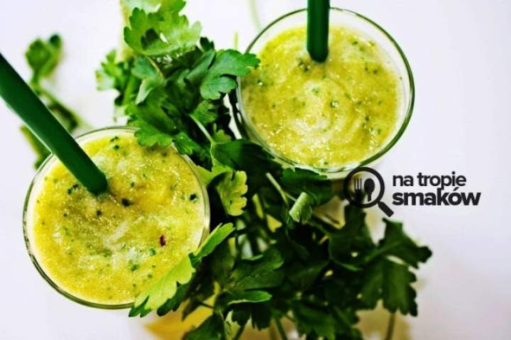 zielona herbata + natka pietruszki + ananas + pomarańcza