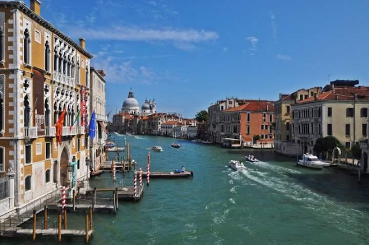 Wenecja – Jak dotrzeć? Gdzie tanio i dobrze zjeść? Co zobaczyć?