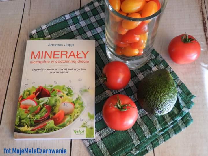 """""""Minerały niezbędne w codziennej diecie"""" Andreas Jopp – recenzja książki"""