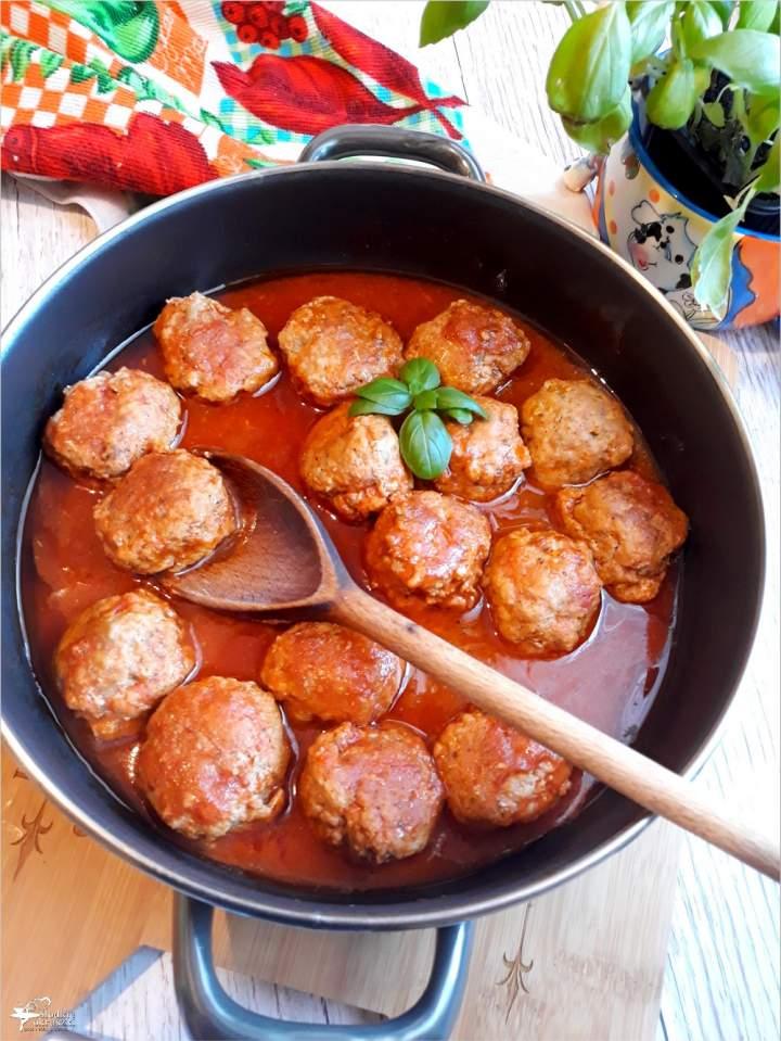 Pulpeciki w sosie pomidorowym – prosty przepis na obiad