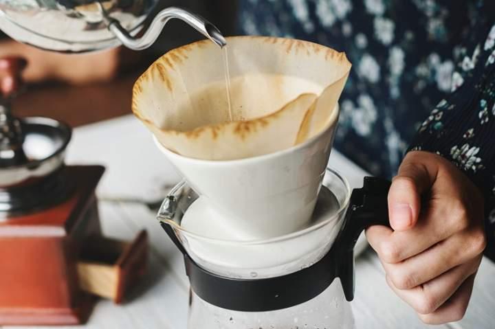 Drip – co to jest i jak zaparzyć w nim kawę