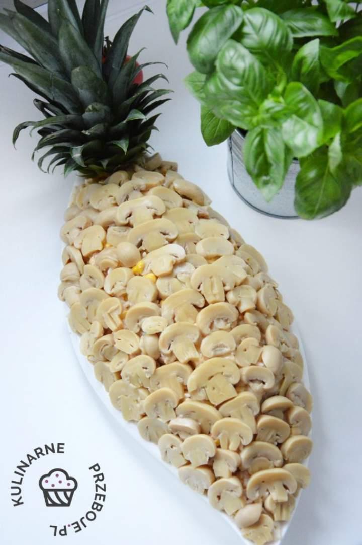 Sałatka Ananas z kurczakiem
