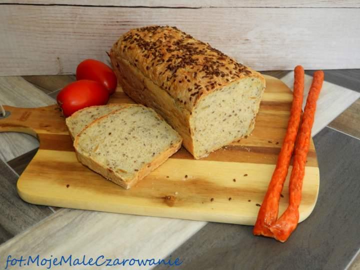 Drożdżowy chleb pszenny z ziarnami
