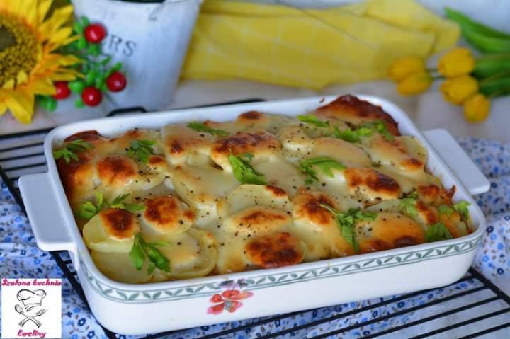 Ziemniaczana zapiekanka z kurczakiem  i warzywami