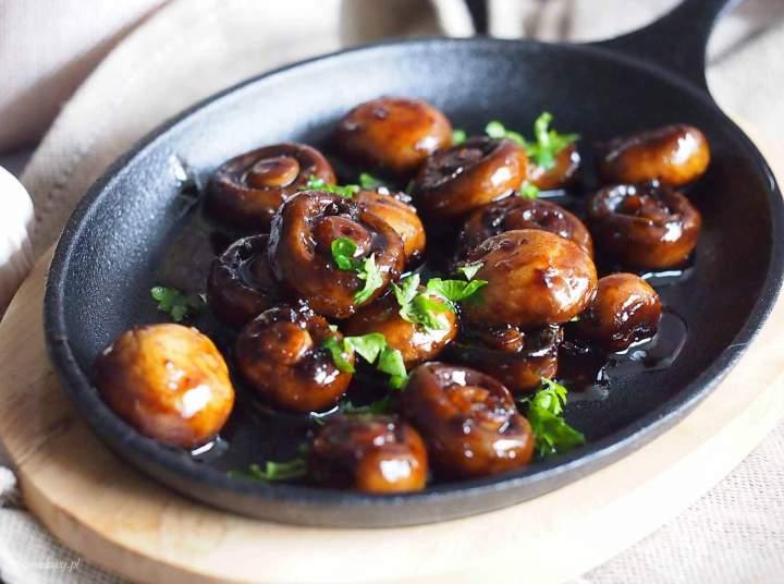 Pieczarki w glazurze miodowo-balsamicznej / Honey balsamic mushrooms