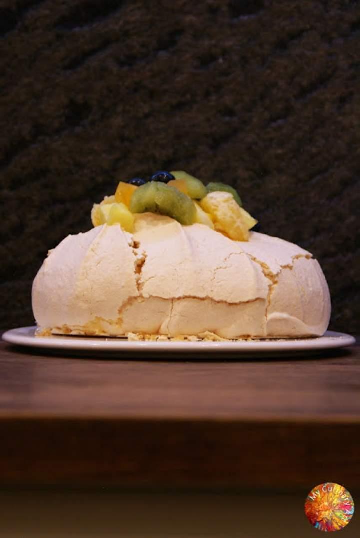 Pavlova – gluten free, lactose free