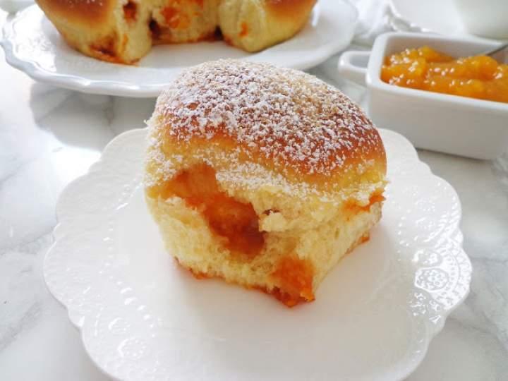 Buchteln – austriackie bułeczki z marmoladą (Buchteln alla marmellata)