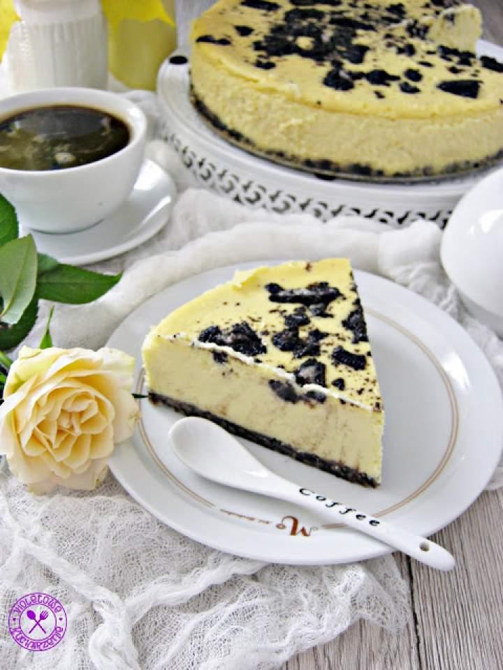 Sernik z mango i białą czekoladą