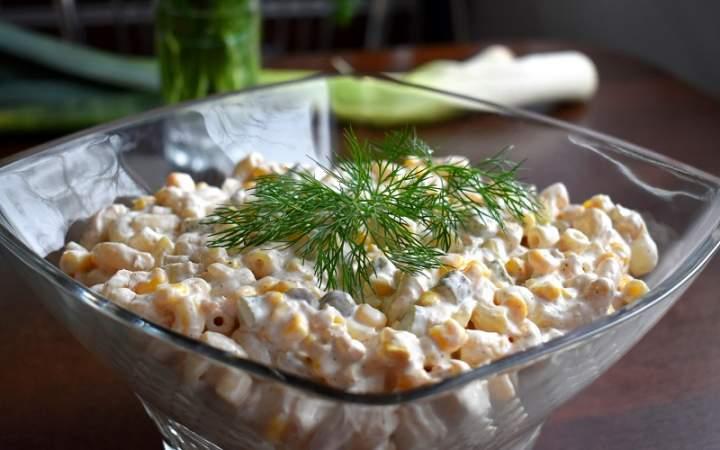 Sałatka makaronowa z tuńczykiem i piklami warzywnymi + filmik