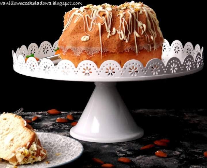 Babka Amaretto z polewą z białej czekolady (Mocno migdałowa)