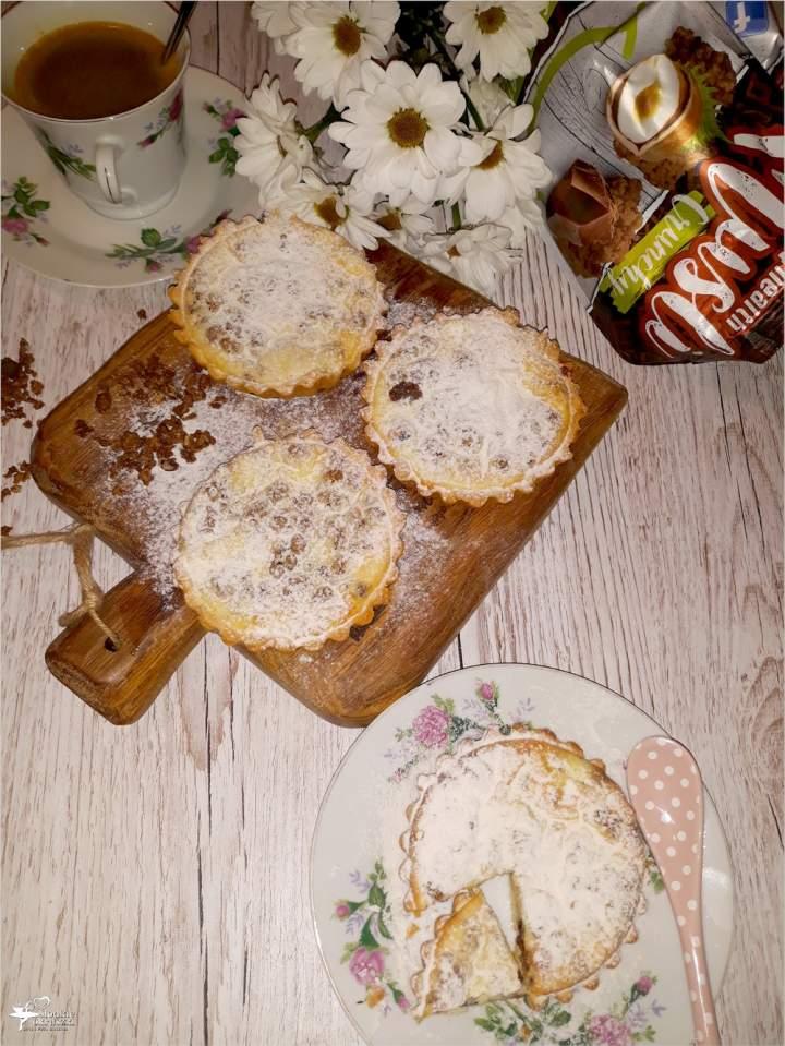Serniczki z czekoladowym musli (na kruchym cieście)