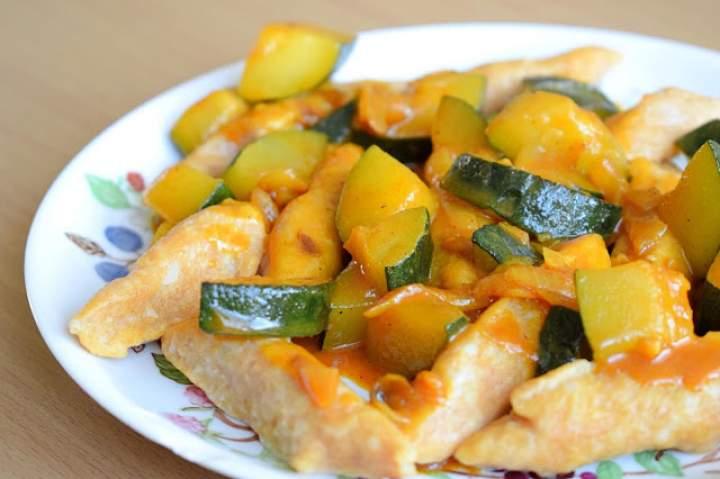 Kopytka z dynią  na roślinny obiad :)