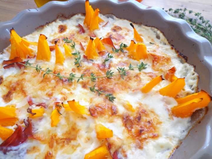 Zapiekana dynia w sosie serowym (Gratin con zucca e salsa al formaggio)