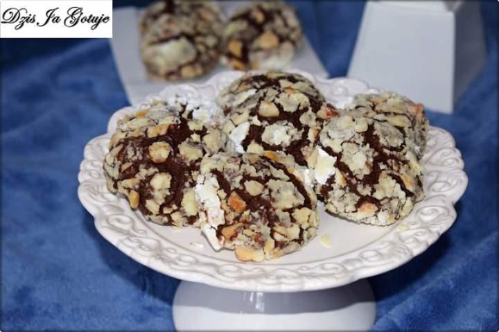 Ciastka bananowo – czekoladowe z dodatkiem orzechów