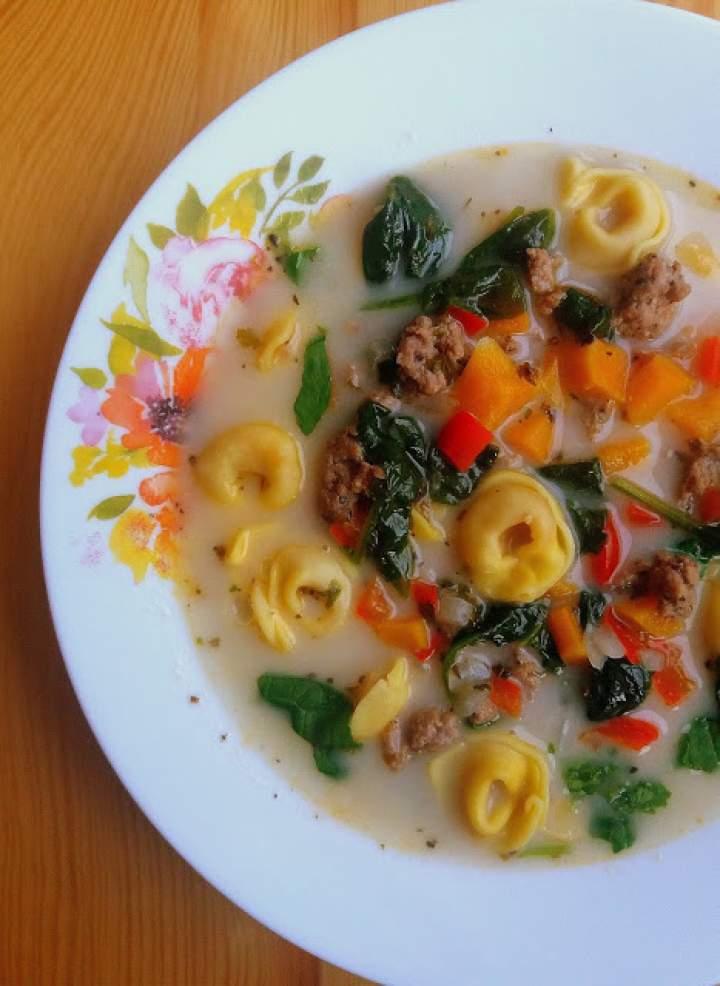 Zupa z mięsem mielonym i tortellini / Ground Meat and Tortellini Soup