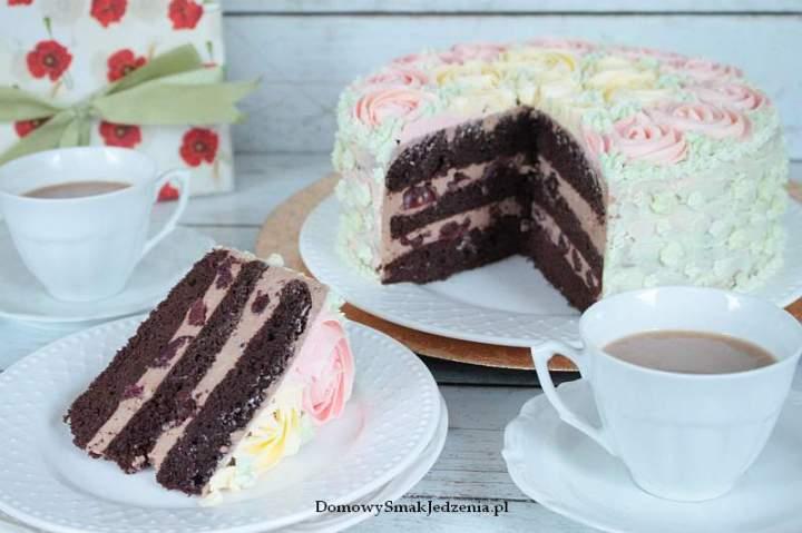 tort czekoladowy z wiśniami