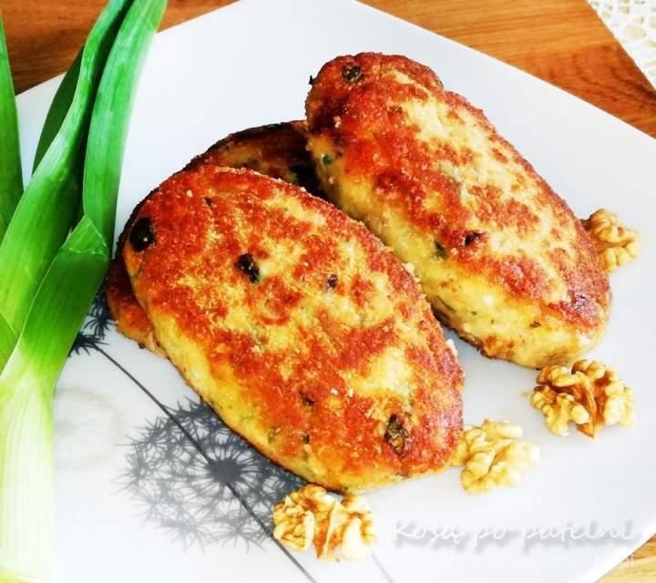 Kotlety mielone z kurczaka z porem i orzechami