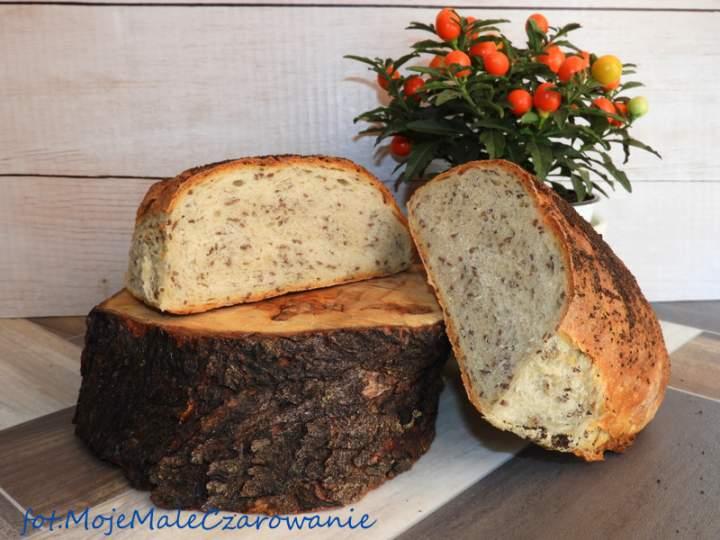 Chleb pszenny z lnem i makiem