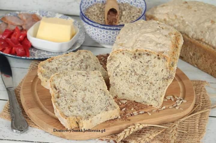 domowy chleb pszenno żytni z ziarnami