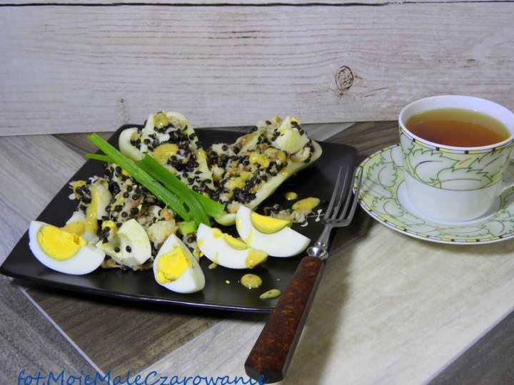 Sałatka z miętusa, belugi i jaja