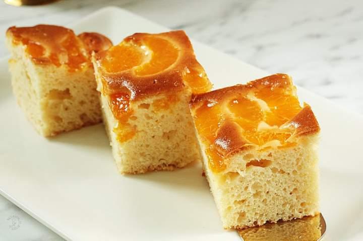 Jogurtowe Ciasto Z Mandarynkami I Przezroczystą Polewą