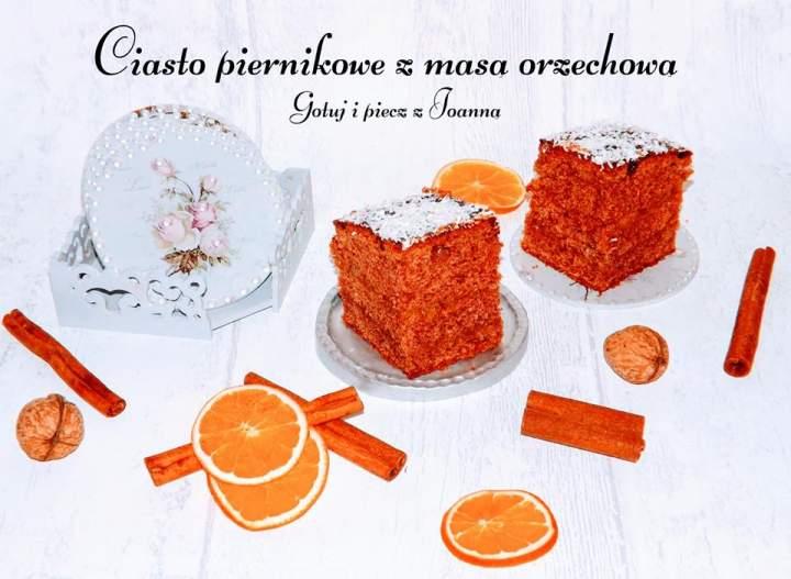 Piernikowe ciasto korzenne z masą orzechową