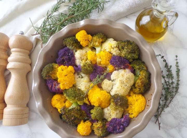 Pieczony kalafior i brokuły w sosie pomarańczowo-ziołowym (Cavolfiori e broccoli arrostiti)