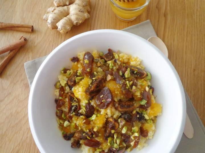 Rozgrzewająca pomarańczowa jaglanka z imbirem i suszonymi owocami (Porridge al miglio con arance, zenzero e frutta secca)