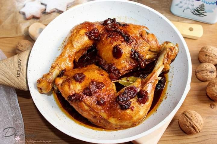 Kurczak z patelni z suszoną żurawiną