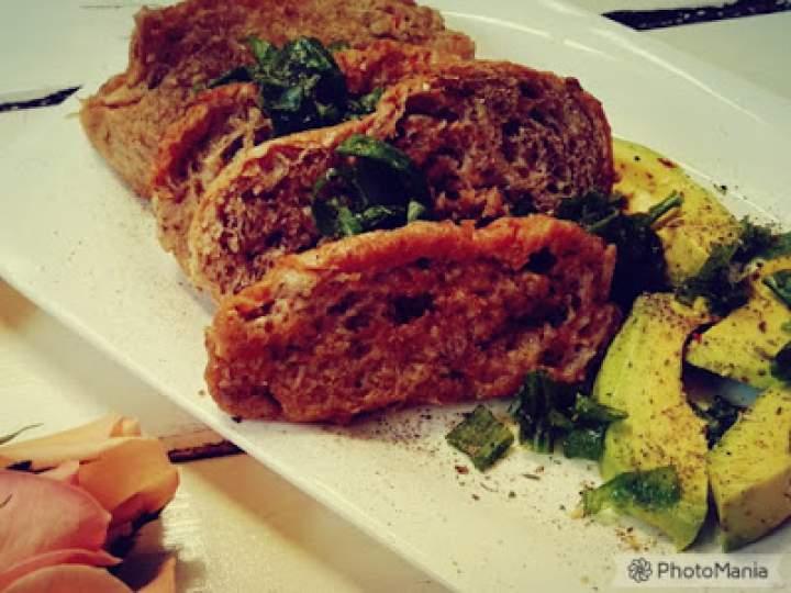 Żytnie tosty francuskie z awokado