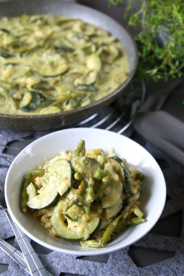 Kremowy sos warzywny z zielonym pesto
