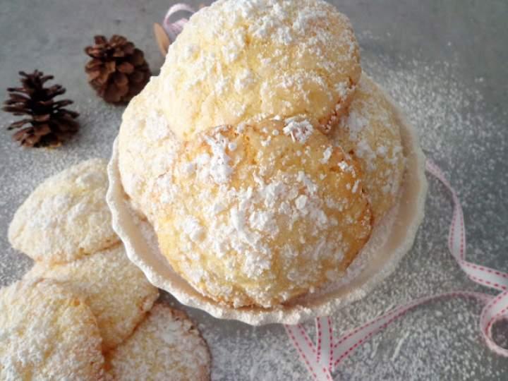 Popękane ciasteczka migdałowe (Biscotti alle mandorle)